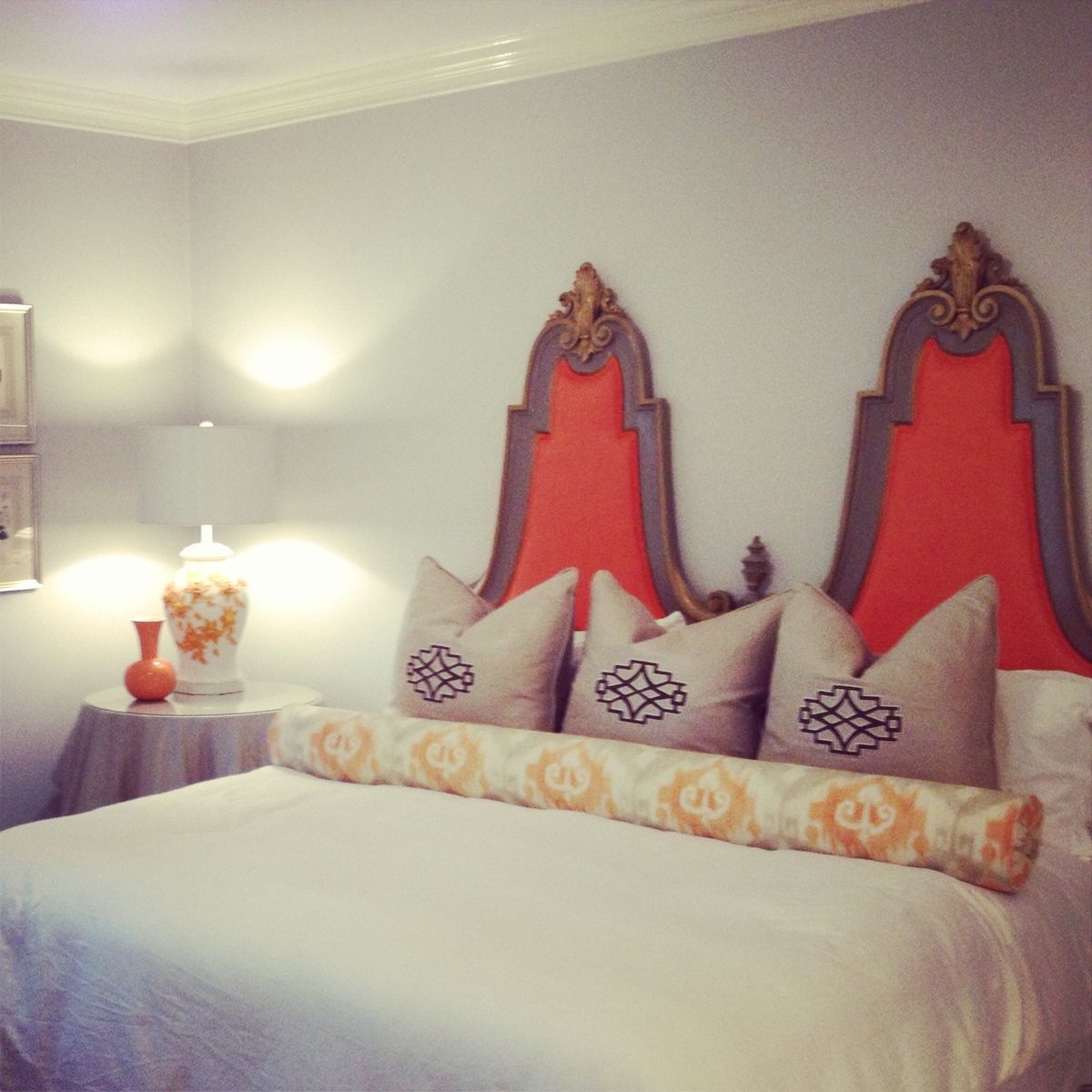 The personable headboard makes this space