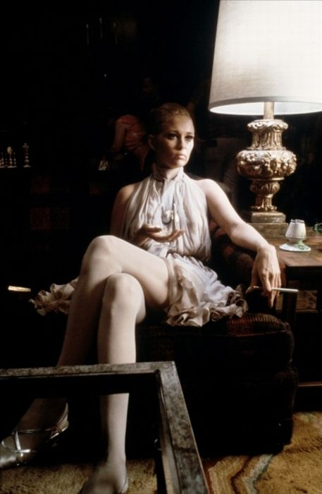 Faye Dunaway sets a sexy mood in The Thomas Crown Affair