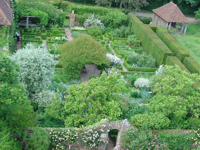 Gardens at Sissinghurst Castle