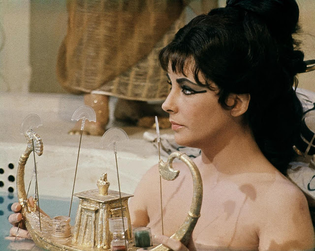 Elizabeth Taylor as Cleopatra, with sultry style