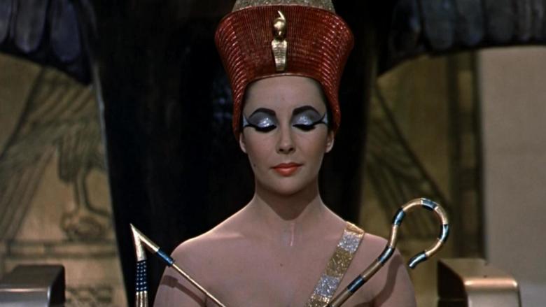 Elizabeth Taylor as Cleopatra is sensual