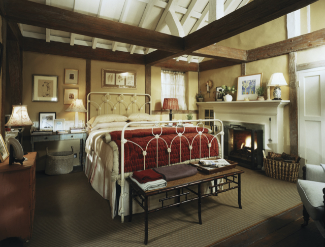Iris Simpkins' bedroom proves design heightens romance