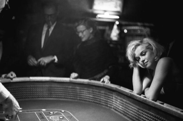 Marilyn Monroe at the gaming tables in Vegas.