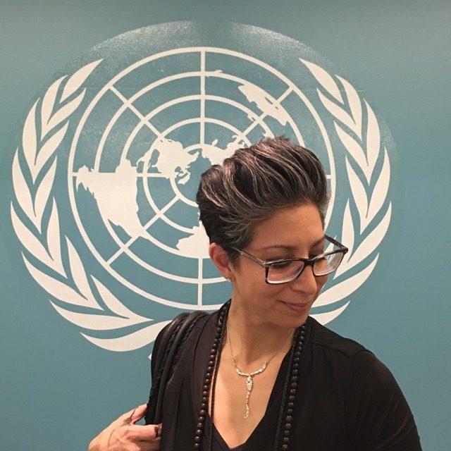 Aviva Stanoff paints at the UN