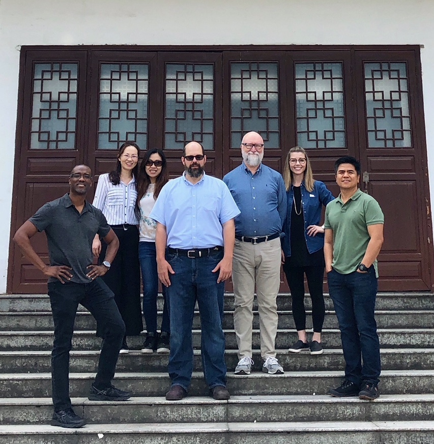 Currey & Company design team source in China