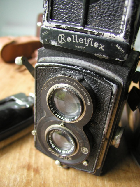 Cecil Beaton used a Folleiflex