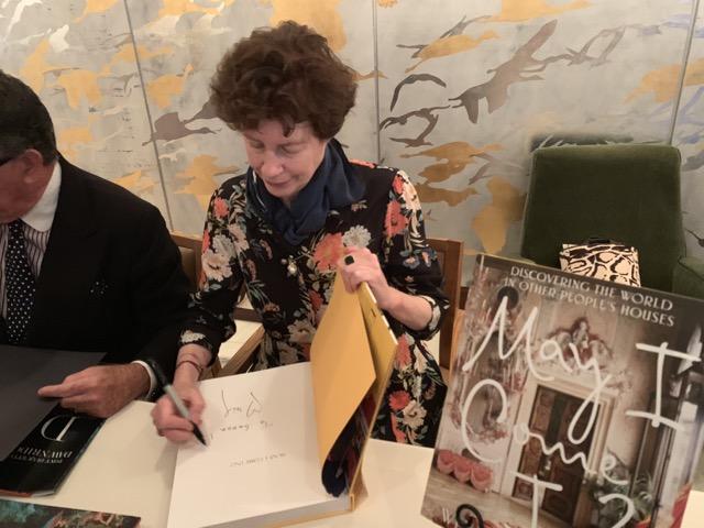 author of note Wendy Goodman signs memoir