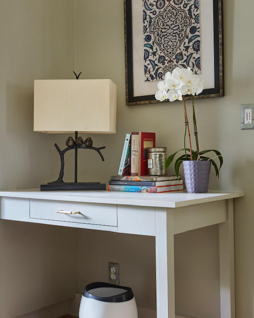 Doreen Chambers tapped our Sparrow Table Lamp for this vignette in her space within The Kaleidoscope Project showhouse.