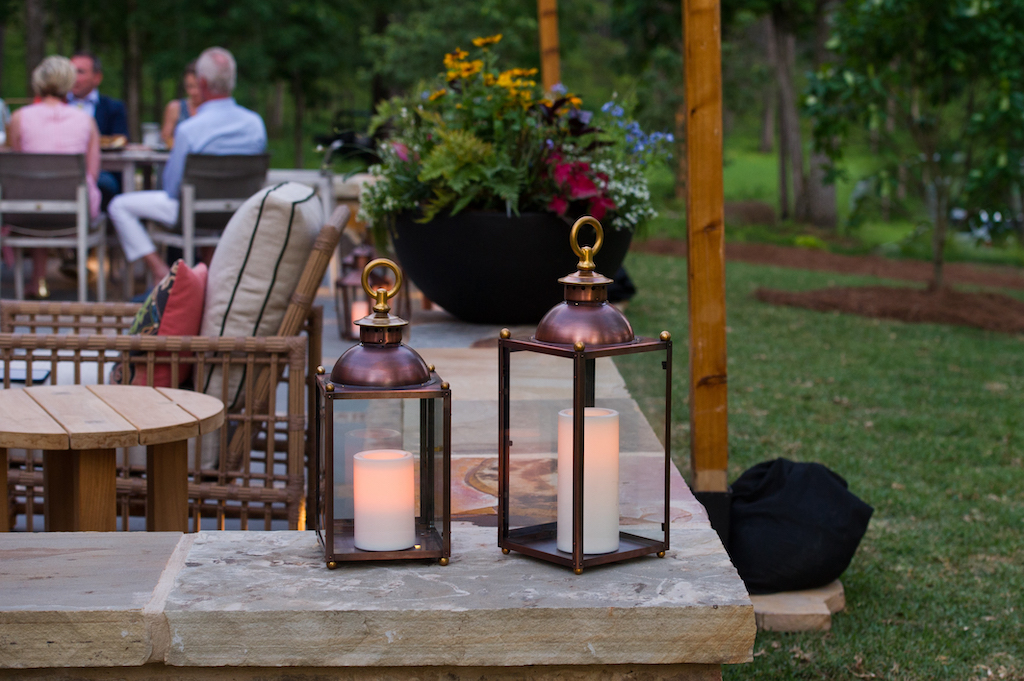 Beauty abounds at Briarfield Farm as the Showhouse debuted. Image courtesy Flower and Dee Moore Photography.